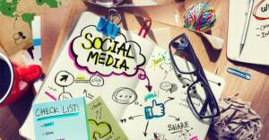 creazione siti web 696x462 2 300x156 - 12 Biggest Mistakes of Social Media Marketing